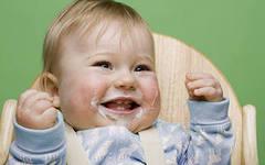Когда вводить первый прикорм грудному ребенку?