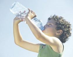 Чем кормить ребенка в жару